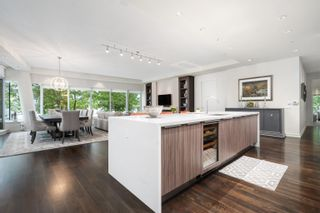 Photo 3: 202 181 ATHLETES Way in Vancouver: False Creek Condo for sale (Vancouver West)  : MLS®# R2615013