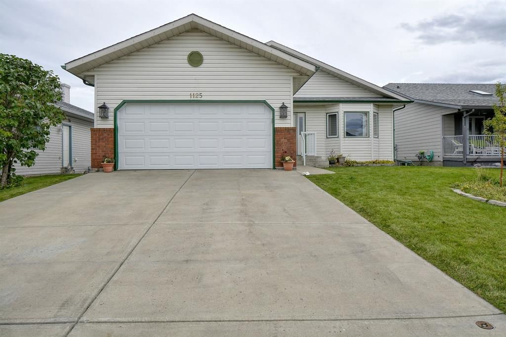 Main Photo: 1125 High Country Drive: High River Detached for sale : MLS®# A1149166