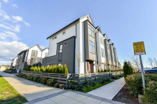 """Photo 3: 97 17568 57A Avenue in Surrey: Cloverdale BC Townhouse for sale in """"HAWTHORNE"""" (Cloverdale)  : MLS®# R2554938"""