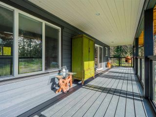 Photo 2: 1215 CHASTER Road in Gibsons: Gibsons & Area House for sale (Sunshine Coast)  : MLS®# R2541518