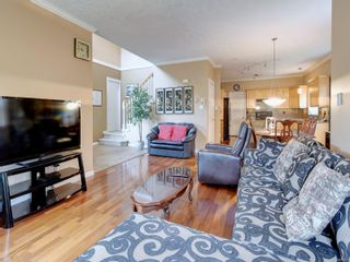 Photo 4: 2288 Selwyn Rd in Langford: La Thetis Heights House for sale : MLS®# 886611
