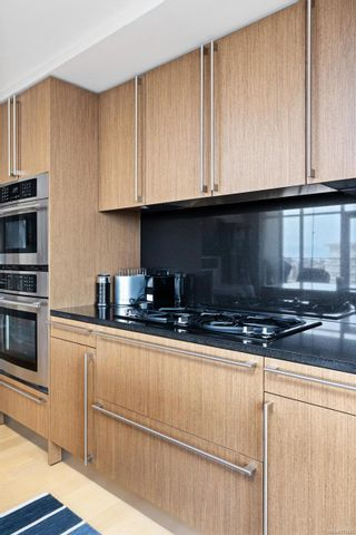 Photo 9: 411 100 Saghalie Rd in : VW Songhees Condo for sale (Victoria West)  : MLS®# 873642