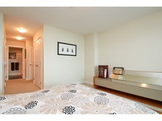 """Photo 11: 202 14824 NORTH BLUFF Road: White Rock Condo for sale in """"The Belaire"""" (South Surrey White Rock)  : MLS®# R2405927"""
