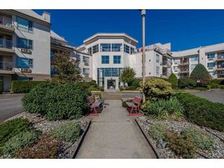 """Photo 1: 118 2626 COUNTESS Street in Abbotsford: Abbotsford West Condo for sale in """"The Wedgewood"""" : MLS®# R2578257"""