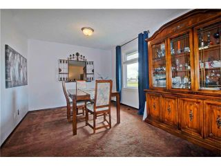 Photo 4: 545 RUNDLEVILLE Place NE in Calgary: Rundle House for sale : MLS®# C4079787