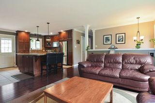 Photo 4: 27179 28A Avenue in Langley: Aldergrove Langley House for sale : MLS®# R2280410