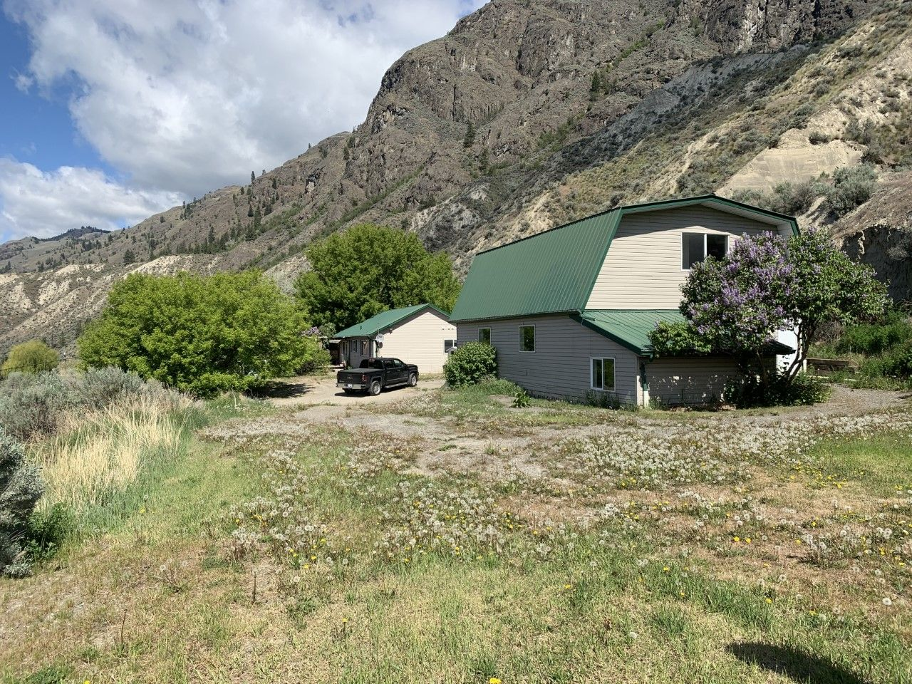 Main Photo: 3987/3991 Shuswap Road E. in Kamloops: South Thompson Valley House for sale : MLS®# 162104