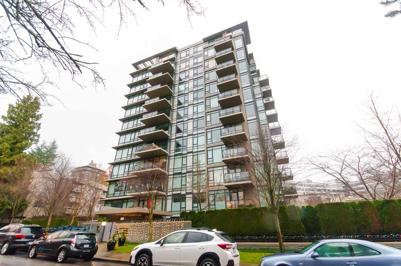 """Main Photo: 905 1468 W 14TH Avenue in Vancouver: Fairview VW Condo for sale in """"THE AVEDON"""" (Vancouver West)  : MLS®# R2457270"""