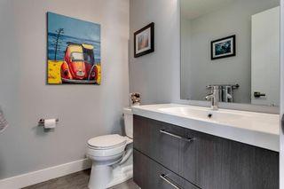 Photo 21: 139 Wildwood Drive SW in Calgary: Wildwood Detached for sale : MLS®# C4305016