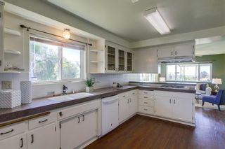 Photo 11: VISTA House for sale : 3 bedrooms : 2155 Warmlands Avenue