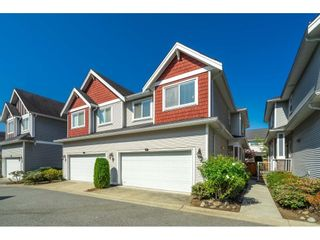 """Photo 1: 15 19977 71 Avenue in Langley: Willoughby Heights Townhouse for sale in """"SANDHILL VILLAGE"""" : MLS®# R2601914"""