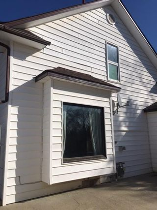 Photo 3: For Sale: 5106 52 Street, Taber, T1G 1N2 - A1134288