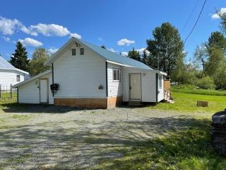 """Photo 3: 589 LEE Avenue: Willow River Manufactured Home for sale in """"Willow River"""" (PG Rural East (Zone 80))  : MLS®# R2589251"""
