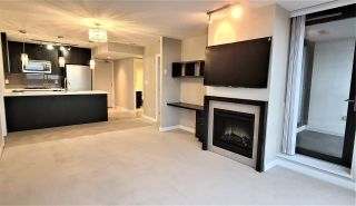 """Photo 8: 904 7328 ARCOLA Street in Burnaby: Highgate Condo for sale in """"Esprit 1"""" (Burnaby South)  : MLS®# R2527920"""