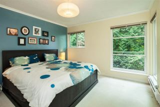 "Photo 6: 4763 FERNGLEN Place in Burnaby: Greentree Village Townhouse for sale in ""Greentree Village"" (Burnaby South)  : MLS®# R2196465"