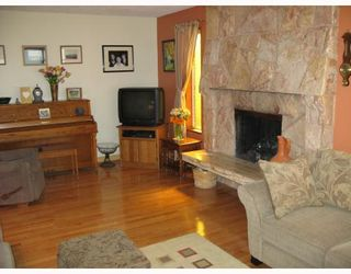 Photo 3: 2284 UPLAND Drive in Vancouver: Fraserview VE House for sale (Vancouver East)  : MLS®# V708035