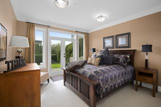 """Photo 12: 14342 SUNSET Drive: White Rock House for sale in """"White Rock Beach"""" (South Surrey White Rock)  : MLS®# R2560291"""