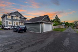 """Photo 2: 34745 3RD Avenue in Abbotsford: Poplar House for sale in """"HUNTINGDON VILLAGE"""" : MLS®# R2580704"""
