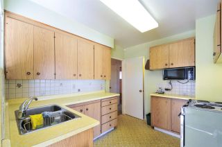 Photo 6: 4868 SMITH AVENUE in Burnaby: Central Park BS House for sale (Burnaby South)  : MLS®# R2141670