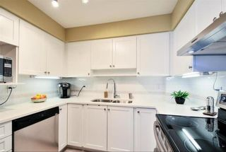 """Photo 11: 104 15111 RUSSELL Avenue: White Rock Condo for sale in """"Pacific Terrace"""" (South Surrey White Rock)  : MLS®# R2594062"""
