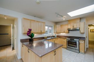 """Photo 9: 7960 GOLDSTREAM Place in Richmond: Broadmoor House for sale in """"MAPLE LANE"""" : MLS®# R2054076"""