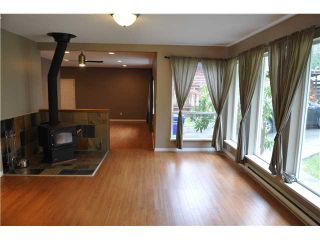 Photo 3: 5538 LEANNE Road in Sechelt: Sechelt District House for sale (Sunshine Coast)  : MLS®# V862642