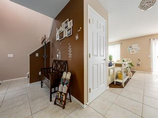 Photo 4: 17 ROYAL ELM Way NW in Calgary: Royal Oak Detached for sale : MLS®# A1034855