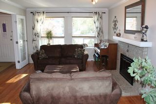 """Photo 2: 4914 209 Street in Langley: Langley City House for sale in """"Newlands"""" : MLS®# R2176872"""
