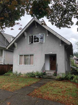 Photo 2: 1560 E 11TH Avenue in Vancouver: Grandview Woodland House for sale (Vancouver East)  : MLS®# R2485124