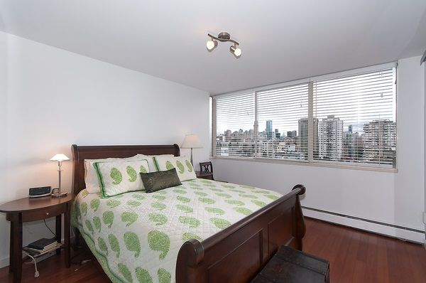 """Photo 16: Photos: 1601 2055 PENDRELL Street in Vancouver: West End VW Condo for sale in """"Panorama Place"""" (Vancouver West)  : MLS®# R2046981"""