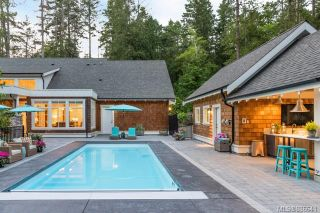 Photo 3: 493 Dunmora Crt in Central Saanich: CS Inlet House for sale : MLS®# 886641