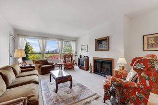 Photo 3: 21405 THORNTON Avenue in Maple Ridge: West Central House for sale : MLS®# R2575037
