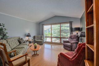 Photo 4: 23 Woodglen Crescent SW in Calgary: Woodbine Detached for sale : MLS®# A1124868