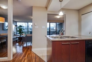 """Photo 10: 307 2525 BLENHEIM Street in Vancouver: Kitsilano Condo for sale in """"THE MACK"""" (Vancouver West)  : MLS®# R2517889"""