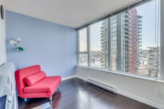 """Photo 10: 1705 33 SMITHE Street in Vancouver: Yaletown Condo for sale in """"COOPERS LOOKOUT"""" (Vancouver West)  : MLS®# R2129827"""