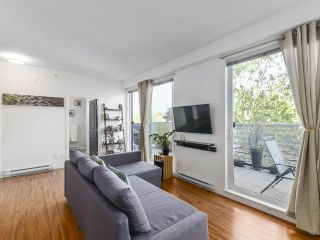 Photo 4: PH1 683 E 27TH Avenue in Vancouver: Fraser VE Condo for sale (Vancouver East)  : MLS®# R2480898
