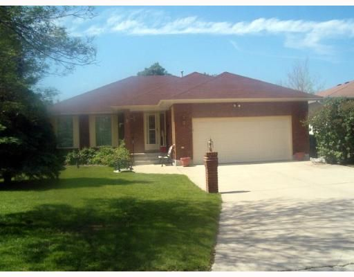 Main Photo: 392 BONNER Avenue in WINNIPEG: North Kildonan Single Family Detached for sale (North East Winnipeg)  : MLS®# 2710330