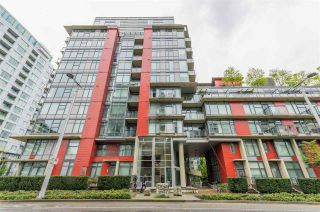 """Photo 2: 318 38 W 1ST Avenue in Vancouver: False Creek Condo for sale in """"THE ONE"""" (Vancouver West)  : MLS®# R2576246"""