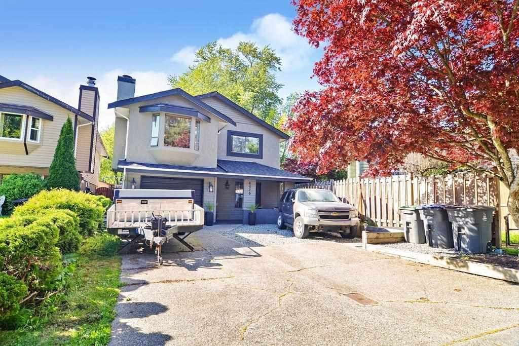 Main Photo: 6075 195A Street in Surrey: Cloverdale BC House for sale (Cloverdale)  : MLS®# R2578805