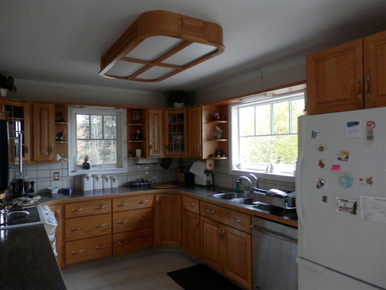 Photo 6: Photos: 935 HODGSON Road in Williams Lake: Esler/Dog Creek House for sale (Williams Lake (Zone 27))  : MLS®# R2414109