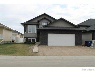 Photo 3: 803 Weisdorff Place: Warman Single Family Dwelling for sale (Saskatoon NW)  : MLS®# 537473