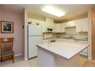 """Photo 3: # 803 612 6TH ST in New Westminster: Uptown NW Condo for sale in """"THE WOODWARD"""" : MLS®# V1030820"""