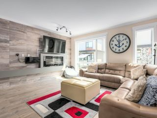 """Photo 3: 116 16488 64 Avenue in Surrey: Cloverdale BC Townhouse for sale in """"HARVEST AT BOSE FARMS"""" (Cloverdale)  : MLS®# R2601815"""