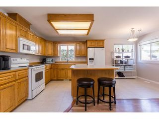Photo 8: 21102 LAKEVIEW Crescent in Hope: Hope Kawkawa Lake House for sale : MLS®# R2612402