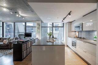 """Photo 8: 305 128 W CORDOVA Street in Vancouver: Downtown VW Condo for sale in """"WODWARDS"""" (Vancouver West)  : MLS®# R2624659"""