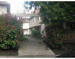 Photo 1: 17 1255 E 15TH Avenue in Vancouver: Mount Pleasant VE Townhouse for sale (Vancouver East)  : MLS®# V711524