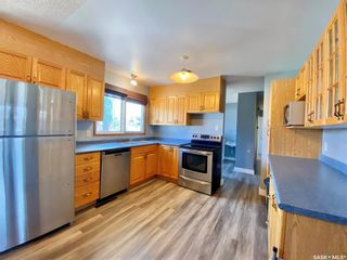 Photo 2: 201 Cross Street South in Outlook: Residential for sale : MLS®# SK851005