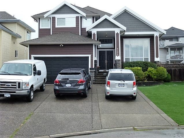 """Main Photo: 7175 150A Street in Surrey: East Newton House for sale in """"CHIMNEY GATES"""" : MLS®# R2097144"""