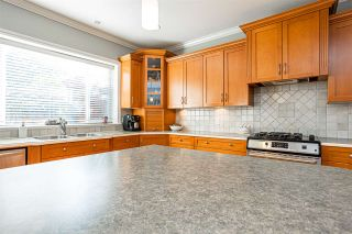 "Photo 11: 21060 86A Avenue in Langley: Walnut Grove House for sale in ""Manor Park"" : MLS®# R2505740"