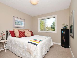 Photo 17: 1042 Whitney Crt in Langford: La Happy Valley House for sale : MLS®# 688665